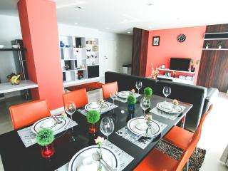PP PLUS MANSION ( 3 BEDROOM APARTMENT- 130 SQ.M) - 1, Bangkok