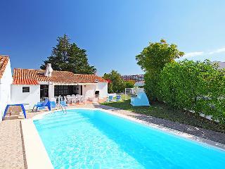 4 bedroom Villa in Albufeira, Algarve, Portugal : ref 2098807