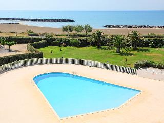 1 bedroom Apartment with Pool, WiFi and Walk to Beach & Shops - 5706646