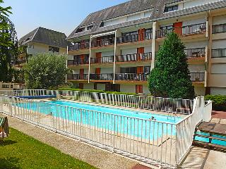 1 bedroom Apartment in Trouville-sur-Mer, Normandy, France : ref 5046509