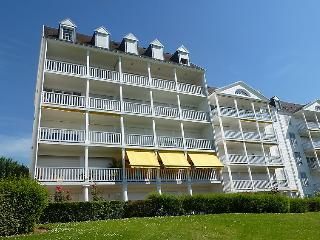 2 bedroom Apartment in Trouville-sur-Mer, Normandy, France : ref 5046510