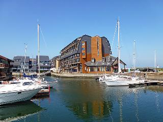 Book Instantly! Les Marinas, Deauville
