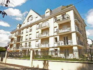 2 bedroom Apartment in Trouville-sur-Mer, Normandy, France : ref 5699469