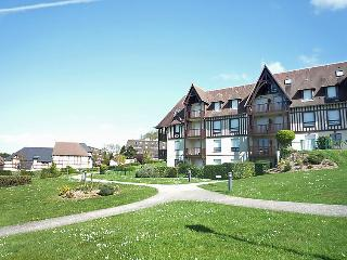 2 bedroom Apartment in Hennequeville, Normandy, France : ref 5046532