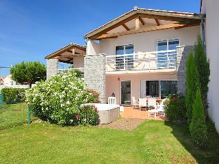 3 bedroom Villa in Cap d'Agde, Herault Aude, France : ref 2008208