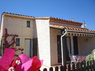 3 bedroom Villa in Saint-Cyprien, Occitania, France : ref 5050682