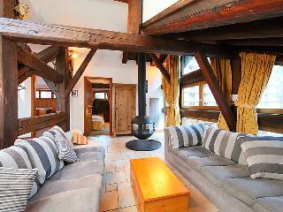 2 bedroom Apartment in Chamonix, Auvergne-Rhône-Alpes, France : ref 5051286