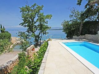 1 bedroom Apartment in Porat, Primorsko-Goranska Zupanija, Croatia : ref 5053040