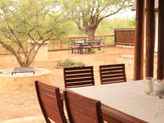 Self Catering Lodges in Hoedspruit Wildlife Estate
