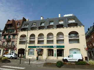 1 bedroom Apartment in Trouville-sur-Mer, Normandy, France : ref 5059111