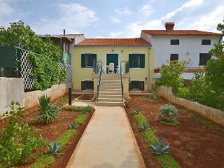 3 bedroom Villa in Punat, Primorsko-Goranska Županija, Croatia : ref 5059622