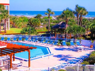 OCEAN VILLAGE CLUB J32 BEST BEACH, POOLS (1 HEATED), TENNIS, BBQ, WIFI PARKING, Saint Augustine Beach