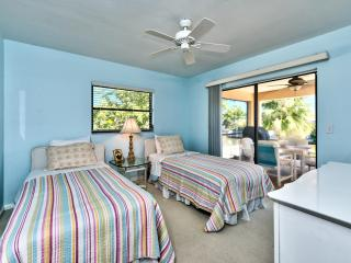 Book Instantly! Naples - 3 BR Private Pool Home, Napels