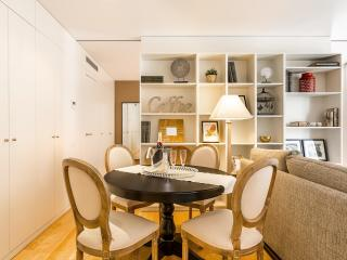 Rambla - 1 Bedroom Suite & Pool, 4th Floor - HOA 42154, Barcelona