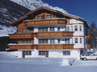 3 bedroom Apartment in Saas Grund, Valais, Switzerland : ref 2285756, Saas-Fee