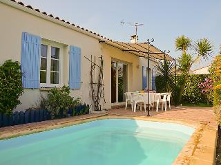 3 bedroom Villa in L'Ile d'Oleron, Nouvelle-Aquitaine, France : ref 5046848