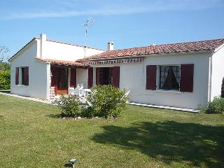 4 bedroom Villa in L'Ile d'Oleron, Nouvelle-Aquitaine, France : ref 5046850