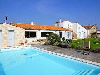 4 bedroom Villa in Ile d'Oleron, Poitou Charentes, France : ref 2097411
