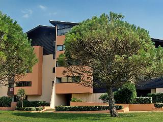 1 bedroom Apartment in Le Penon, Nouvelle-Aquitaine, France : ref 5050000