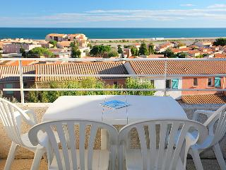 2 bedroom Villa in Saint-Pierre-sur-Mer, Occitanie, France - 5050473