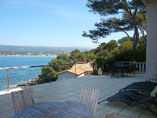 2 bedroom Apartment in Saint Cyr La Madrague, Cote d'Azur, France : ref 2012578