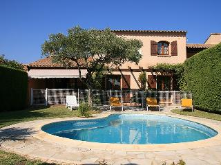 3 bedroom Villa in Cavalaire, Cote d'Azur, France : ref 2012665