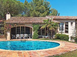 "4 bedroom Villa in La Croix-Valmer, Provence-Alpes-CA""te d'Azur, France : ref 50"