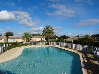 3 bedroom Villa in Saint Tropez, Cote d'Azur, France : ref 2057398