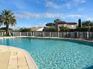 2 bedroom Villa in Saint-Tropez, Provence-Alpes-Cote d'Azur, France : ref 505174