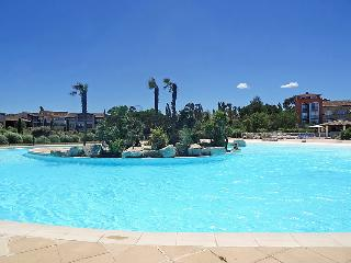 1 bedroom Apartment with Pool, WiFi and Walk to Beach & Shops - 5029056