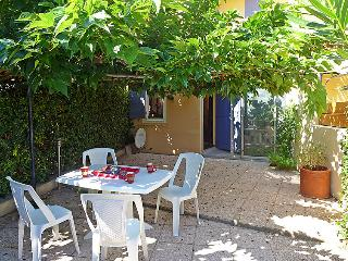 1 bedroom Apartment in Saint-Pierre-sur-Mer, Occitania, France : ref 5060694