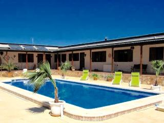 Hacienda Cabreras Rural Holiday Apartments Villena