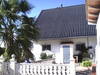 Large villa with great views & pool, Alzira
