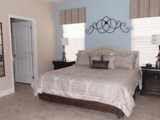Solterra Resort - 5 BR Private Pool Home, Game Room, Southwest Facing, Davenport