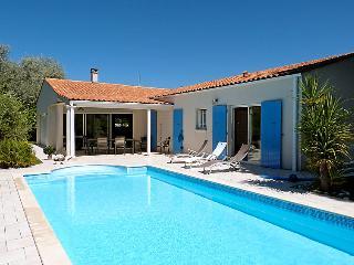4 bedroom Villa in Ile d Oleron, Poitou Charentes, France : ref 2217013, Saint-Trojan-les-Bains