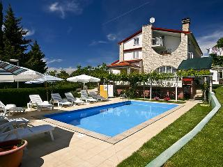 2 bedroom Apartment in Medulin, Istarska Zupanija, Croatia : ref 5060858