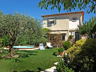 3 bedroom Villa in Carpentras, Provence, France : ref 2008261