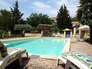 4 bedroom Villa in Carpentras, Provence, France : ref 2015289