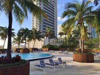 Amazing 3 Bedroom in the Heart of Brickell, Miami