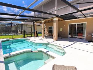 West Haven - 5 Bedroom Private Pool Home, Davenport