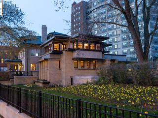 F L Wright design Vacation rental home in Chicago