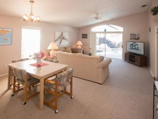 Spring Lakes - 3 BR Private Pool Home - IPG 47195, Buena Ventura Lakes