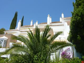 3 bed Townhouse in El Paraiso, Puerto Jose Banus