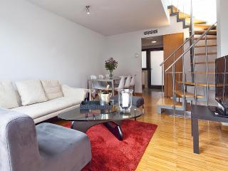 Sky Terrace Güell III - 3 Bedroom Apartment with Terrace - MSB 55995, Barcellona