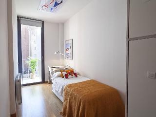 Arc Triomf Dalí Pool III - 3 Bedroom Apartment, Barcelona
