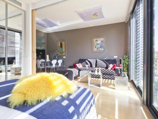 Arc Triomf Picasso Pool IV - 3 Bedroom Apartment, Barcelona