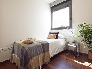 Barcelona Garden Attic VI - 3 Bedroom Apartment - MSB 56033