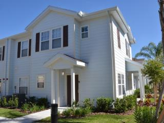 Cozy 4 Bedr townhouse -Lucaya Villages, Kissimmee
