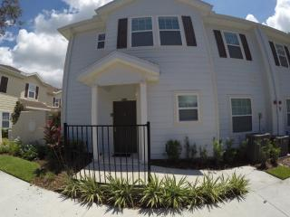Close to parks- 4 Bedr. Villa, Kissimmee