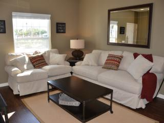 Luxury on a budget - Lucaya Village - Amazing Cozy 3 Beds 2 Baths Townhome - 3